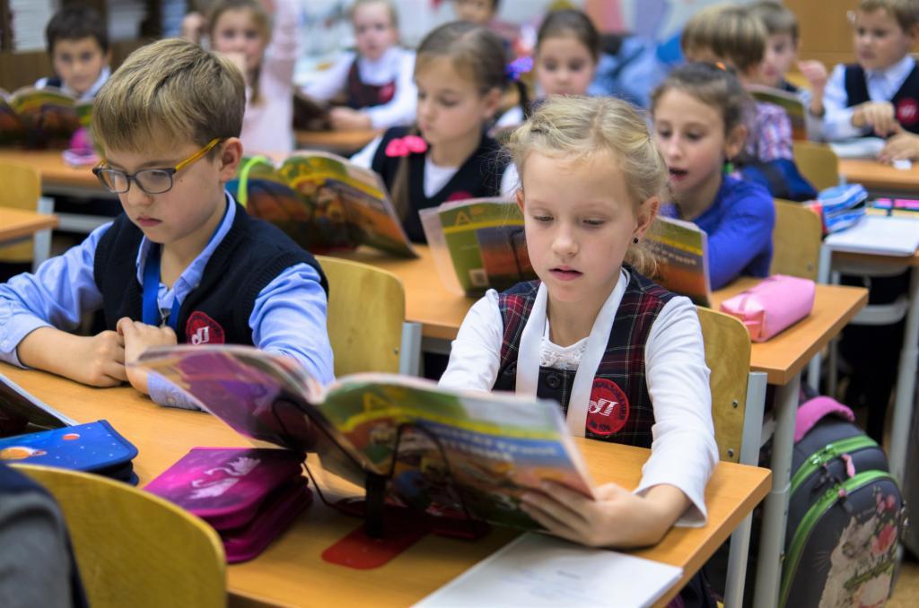 Минпросвещения РФ: За рубежом работает 31 тысяча русских школ