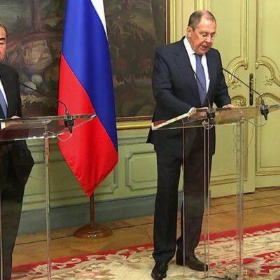 Главы МИД России и Китая обсудили ряд вопросов двусторонней и международной повестки