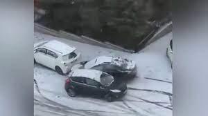 В Турции автомобилисты оказались не готовы к сильным снегопадам и заморозкам