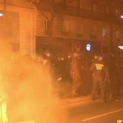 Во Франции акция протеста против действий силовиков переросла в столкновения с полицией