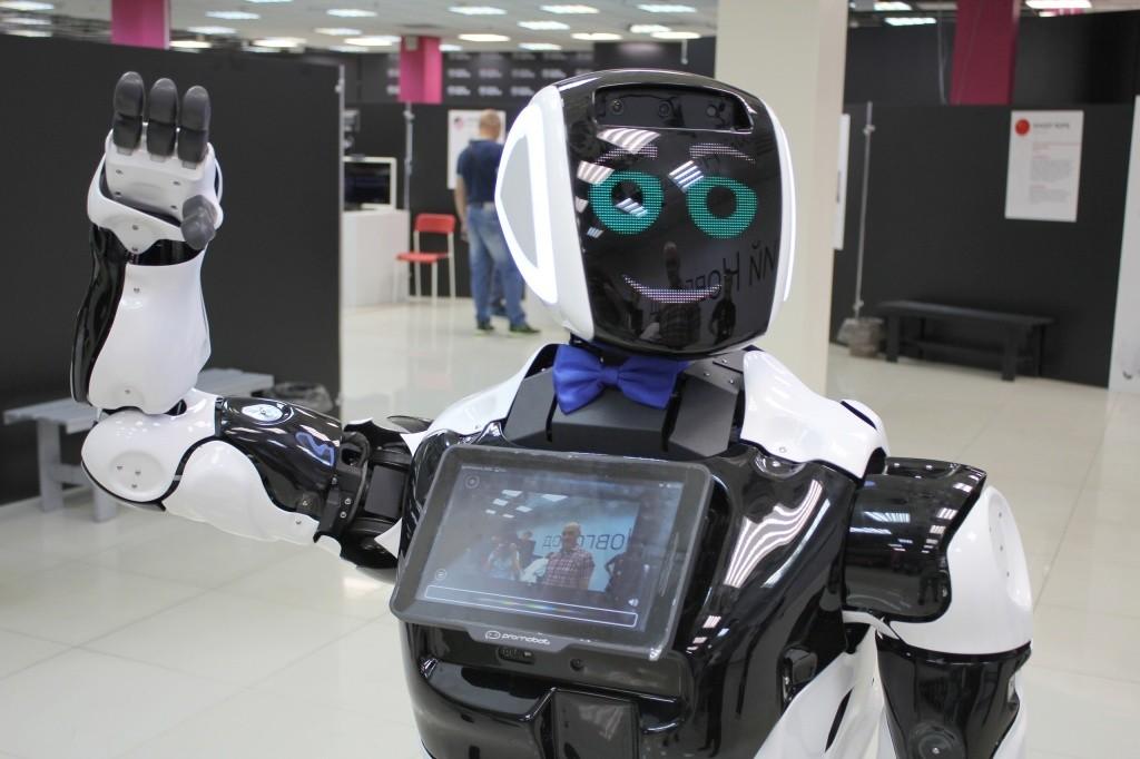 Российский робот начал работу в детском научном центре в Норвегии