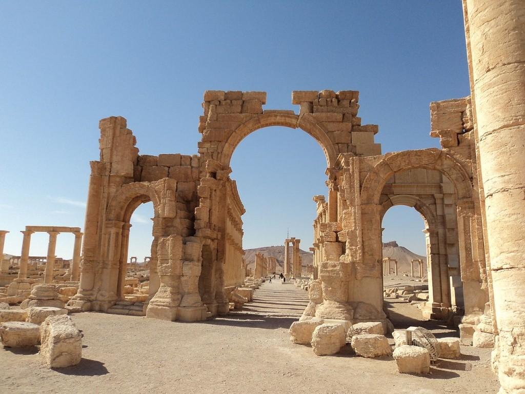 Россия помогает восстановить Триумфальную арку в Пальмире