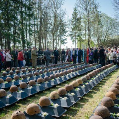 В Латвии перезахоронили останки 275 красноармейцев