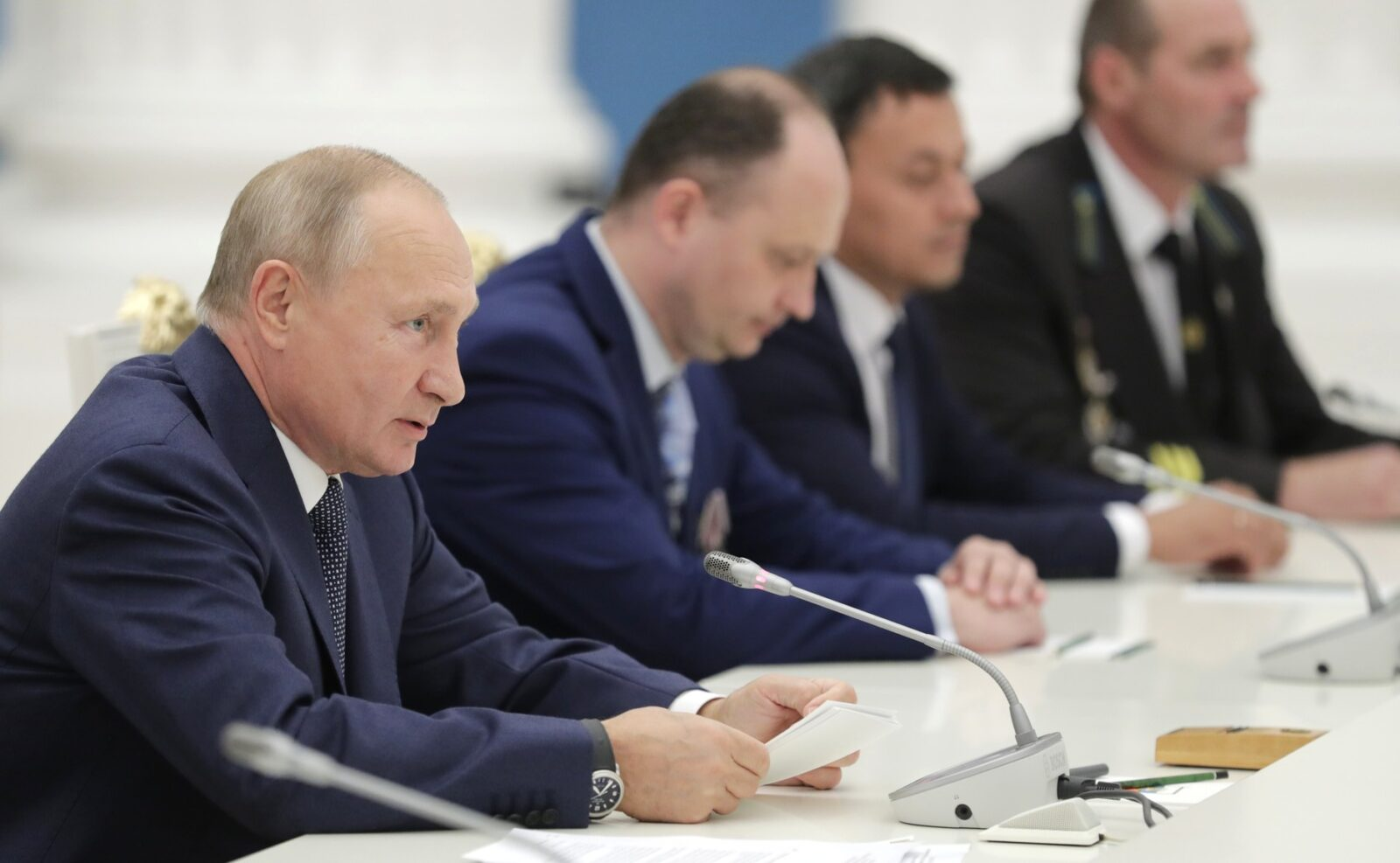 Президент России поручил провести миграционную реформу