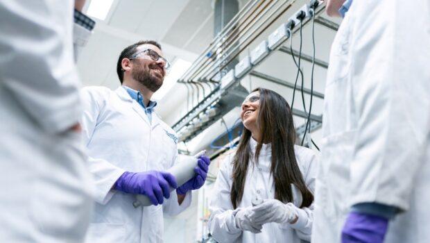 Исследования совместной вакцины Центра Гамалеи и AstraZeneca состоятся в трёх странах