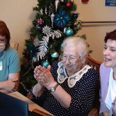 Общероссийский народный фронт устраивает праздник для пожилых людей в домах престарелых