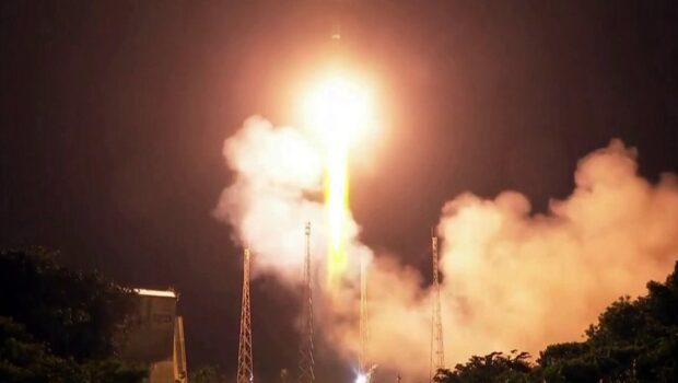 Российская ракета «Союз» со спутником ОАЭ стартовала с космодрома Куру