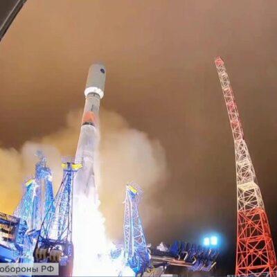 Ракета-носитель «Союз-2» вывела на орбиту спутники связи и аппарат Минобороны России