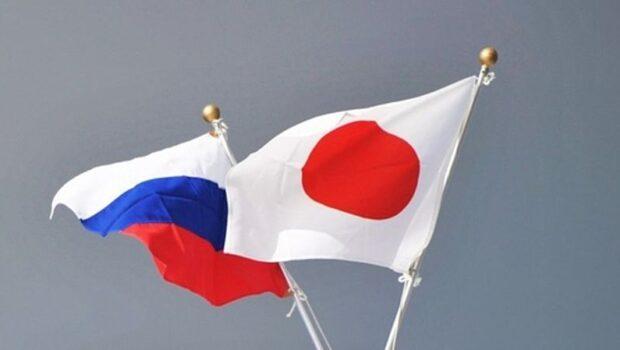 Премьер-министр Японии выступил за заключение мирного договора с Россией