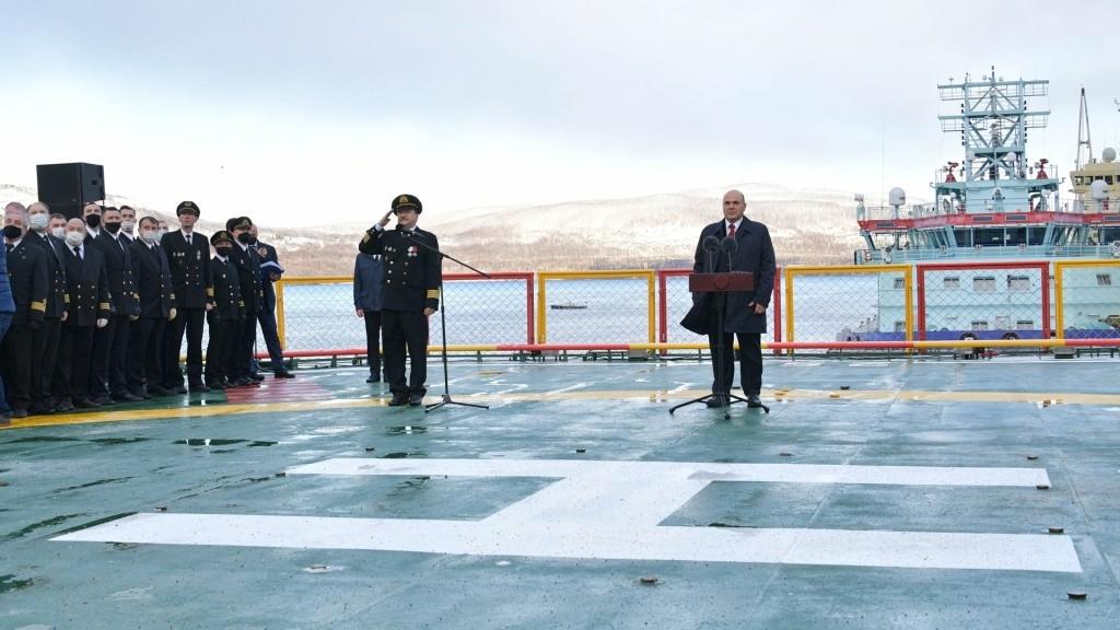 Самый мощный в мире атомный ледокол «Арктика» введён в строй