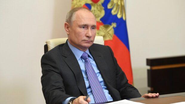 В 2020 году в волонтёрских проектах участвовали более 15 млн россиян, сказал президент