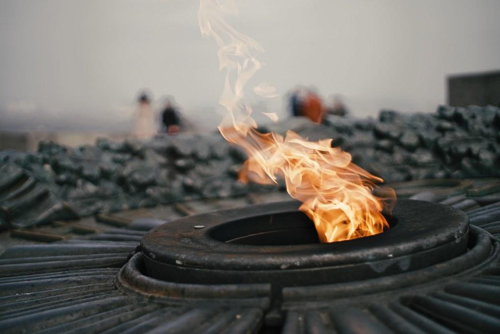 Вандалы осквернили Вечный огонь в Белграде