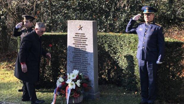 Российские соотечественники возложили цветы к могиле красноармейцев в Базеле