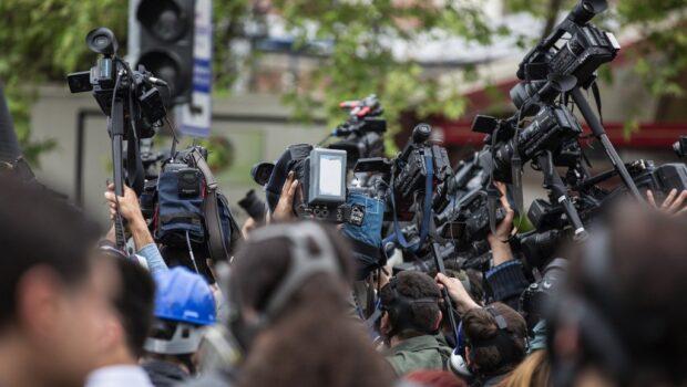 В Раде инициируют процедуру импичмента Зеленского после запрета телеканалов