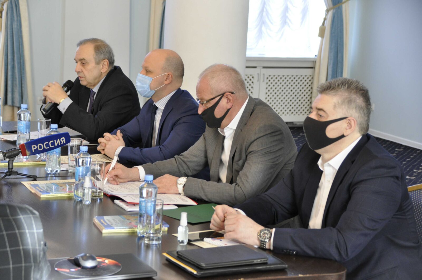 Вопросы продвижения русского языка за рубежом обсудили в Севастополе