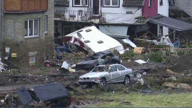 В Германии в списке погибших во время потопа уже 103 человека, сообщает газета Welt