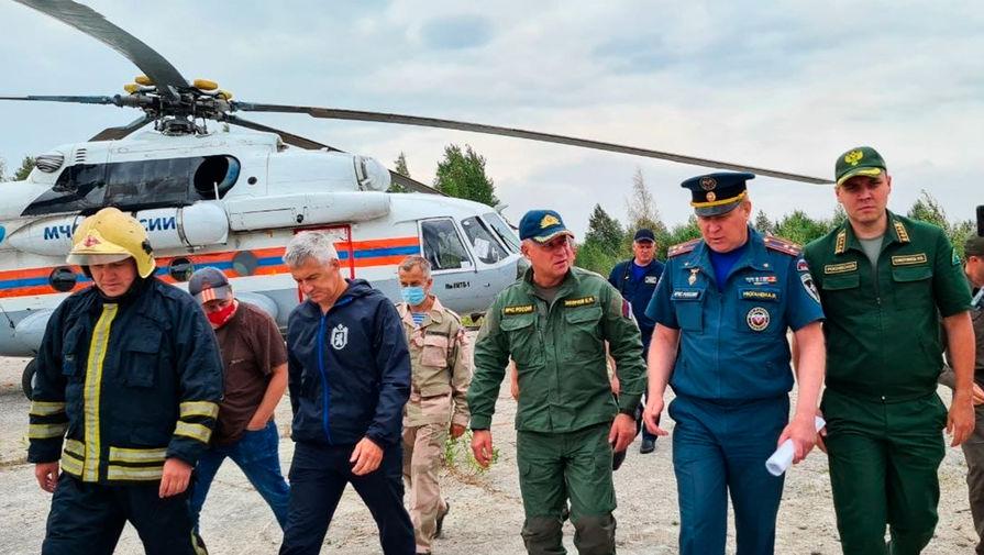 Из-за ухудшения ситуации с пожарами в Карелию прибыл глава МЧС
