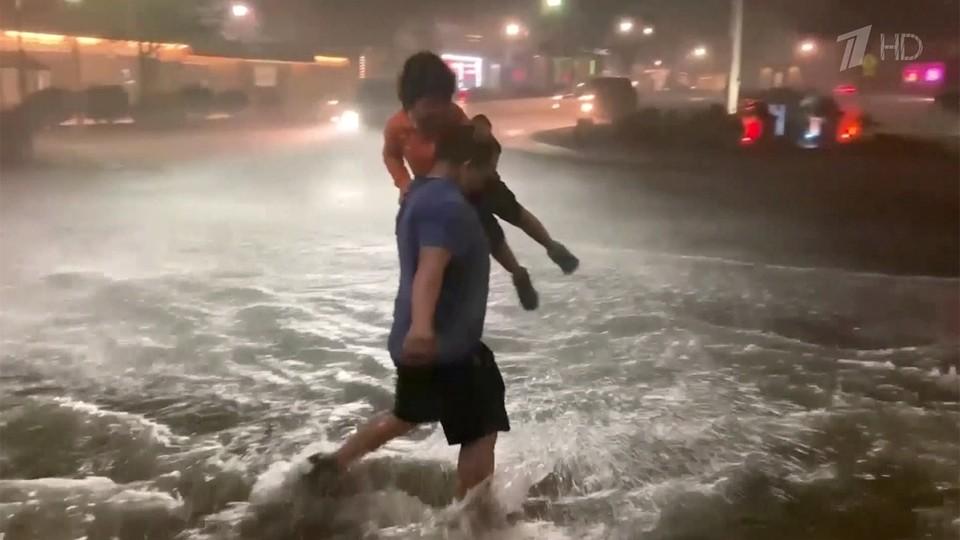 Ураган «Ида» добрался до Нью-Йорка