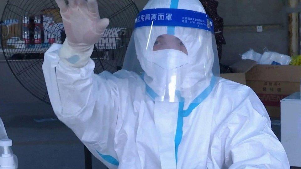 Поголовное тестирование на COVID-19 решили провести в 11-миллионном Ухане