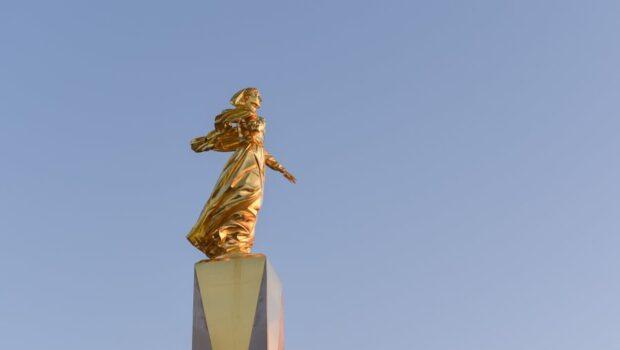Памятник к столетию окончания Гражданской войны открыли в Севастополе