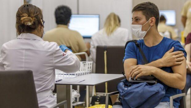 Туристы с разных континентов едут в Сан-Марино за вакциной «Спутник V»