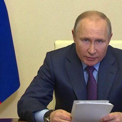 Владимир Путин принял решение привиться одной из трех зарегистрированных в России вакцин