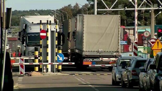 Белоруссия полностью перекрывает границу с Украиной