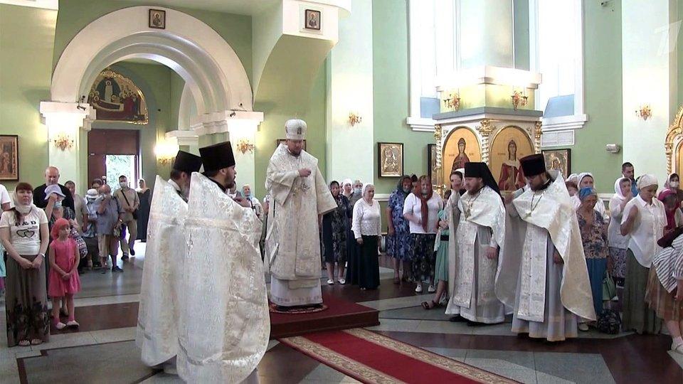 Православные верующие отмечают праздник Преображения Господня