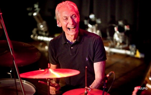 Скончался барабанщик легендарной рок-группы The Rolling Stones Чарли Уоттс
