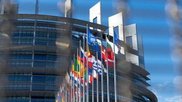 «Разорваны в клочья»: Сергей Лавров описал отношения с Евросоюзом