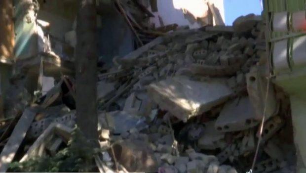 В Батуми на месте обрушения многоэтажного дома проходит спасательная операция