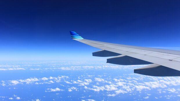 Россия продлила на месяц приостановку авиасообщения с Великобританией