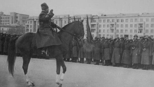 Исполнилось 140 лет со дня рождения Климента Ворошилова
