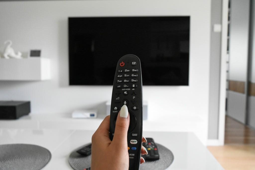 Власти Латвии запретили вещание 16 русскоязычных телеканалов