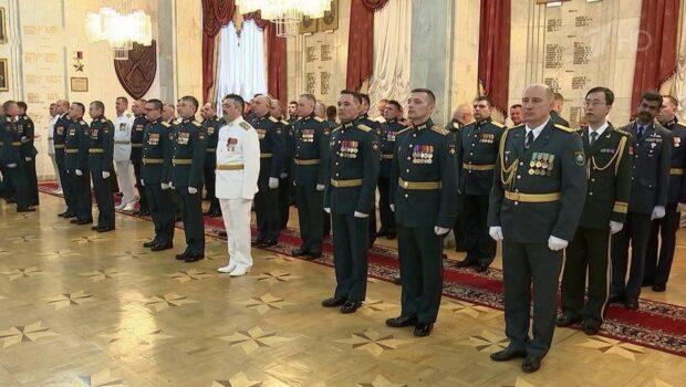 Валерий Герасимов поздравил выпускников Военной академии Генштаба Вооруженных сил