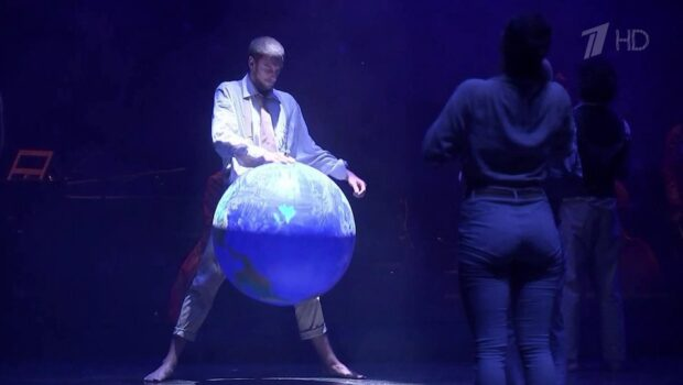 В рамках Чеховского фестиваля французская постановка «Фолия» на сцене Театра Моссовета